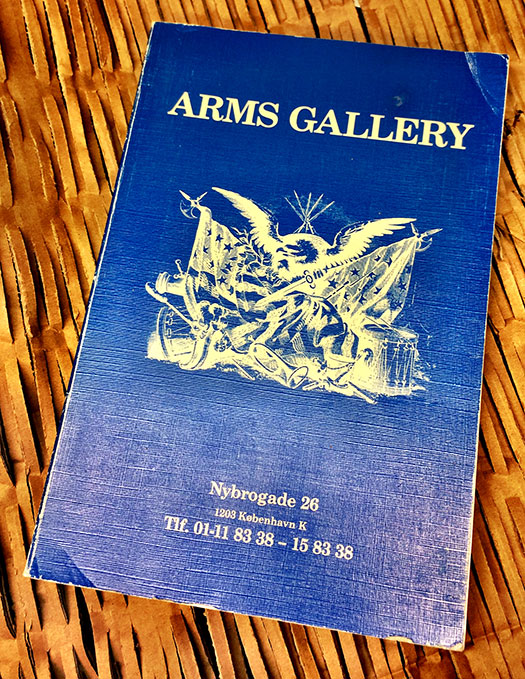 Arms Gallery trykt katalog
